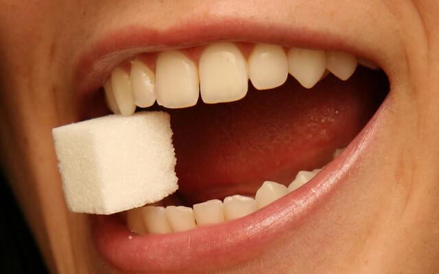 あなたの心身を蝕む白砂糖の10の害と医学的根拠